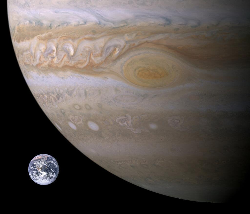Соотношение размеров планет Юпитер и Земля